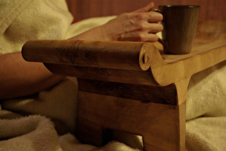 diivanilaud, serveerimislaud, puitdisain, käsitöö